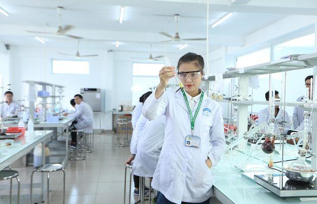 ngành dược lấy bao nhiêu điểm